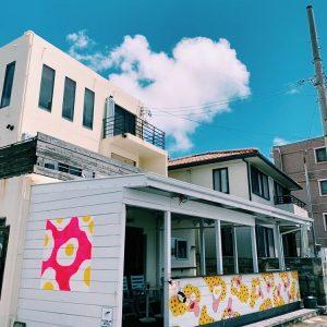 &Eggsさんのお店の外壁に絵を描いてきました。
